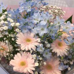 ガーベラとデルフィニュームの花束