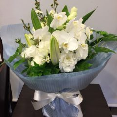 白の花 スタンディングブーケ