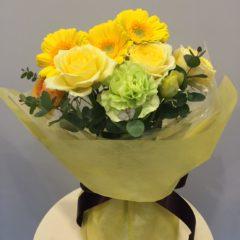 黄色系のスタンディングブーケ