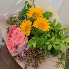 ひまわりとトルコキキョウの花束