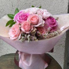 ピンク系のスタンディングブーケ